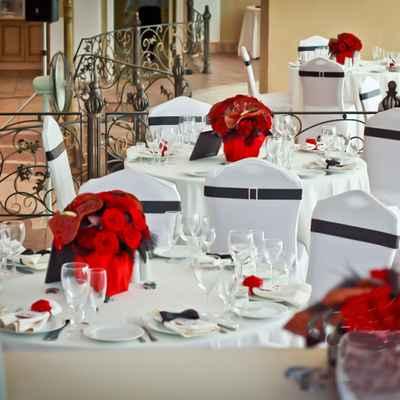 Vintage black wedding reception decor