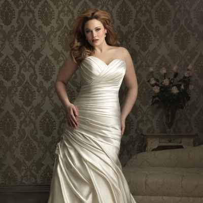 Ivory curvy wedding dresses