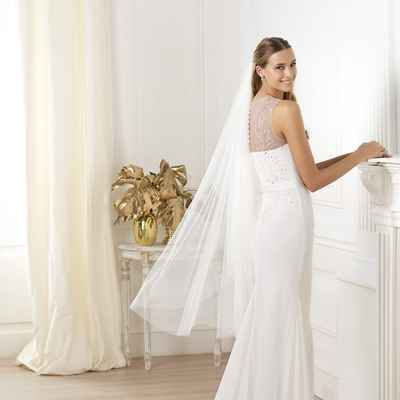 Mediterranean closed wedding dresses