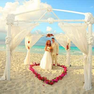 Overseas pink real weddings