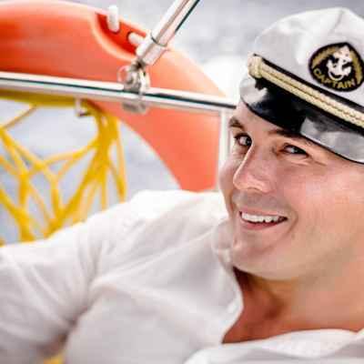 Marine groom style