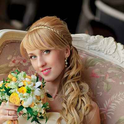 Mediterranean yellow long wedding hairstyles