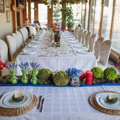 Rustic spring wedding reception decor