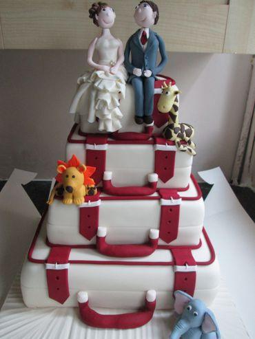 Themed white wedding cakes