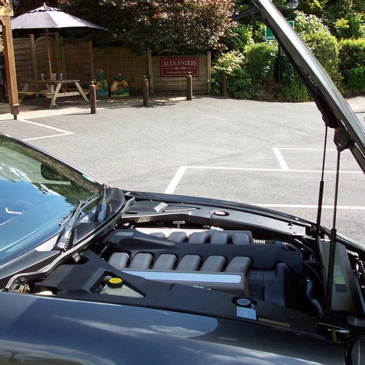 V12 GT Aston Martin