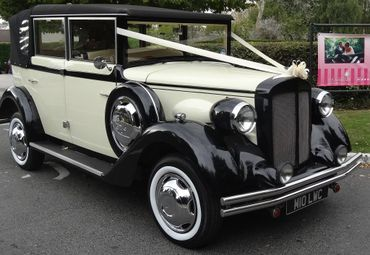Vintage wedding transport