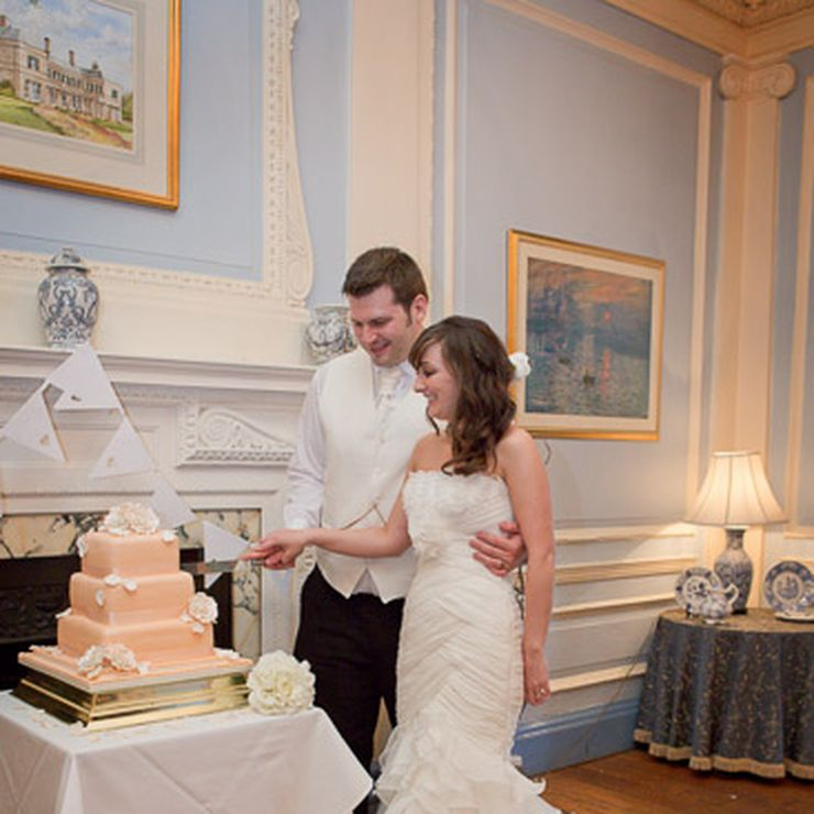 Simon Hudspeth Photography - Cake Cutting
