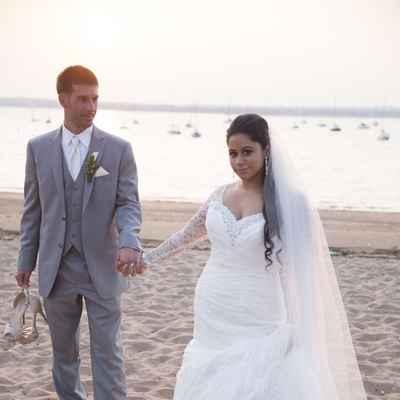 Beach white groom style