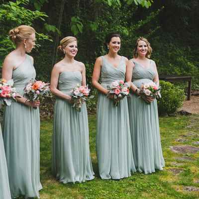 Outdoor summer grey wedding photo session ideas