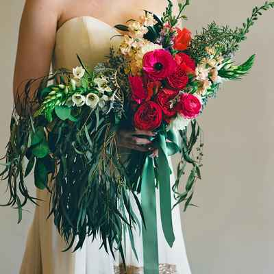 Red alternative wedding bouquet