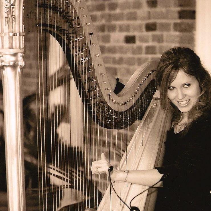Ashley Toman harpist