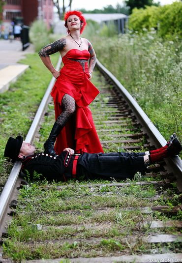 Themed red wedding photo session ideas