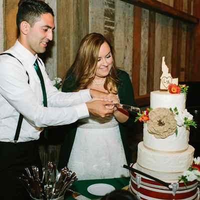 Rustic ivory wedding cakes