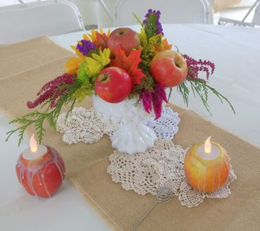 Autumn wedding floral decor