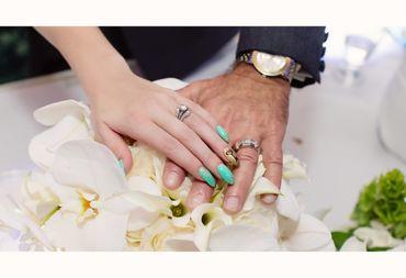 Green wedding nail design