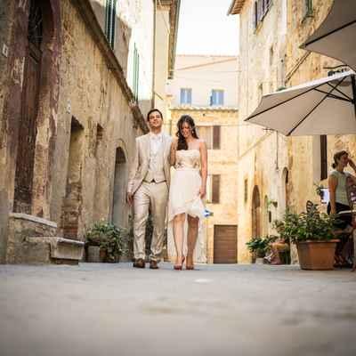 Ivory short wedding dresses