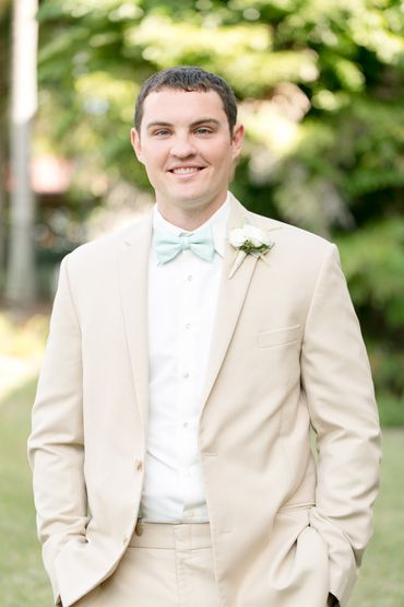 Outdoor ivory groom style