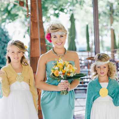 Outdoor green wedding photo session ideas