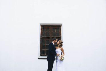 Outdoor black open wedding dresses