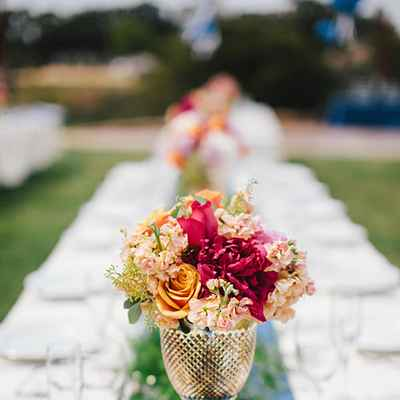 Outdoor red wedding floral decor