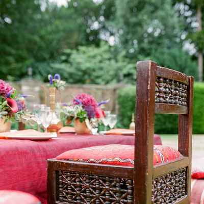 Outdoor brown wedding photo session decor