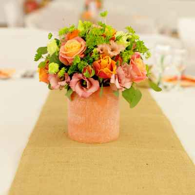 Overseas orange wedding floral decor