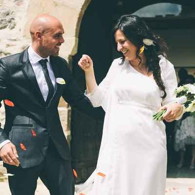 Outdoor white maternity wedding dresses