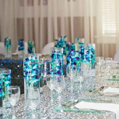 Overseas blue wedding reception decor