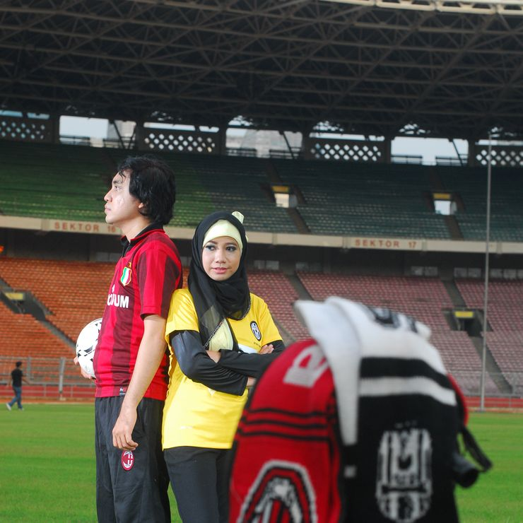 Yenni & Fajar (Prewedding At GBK)
