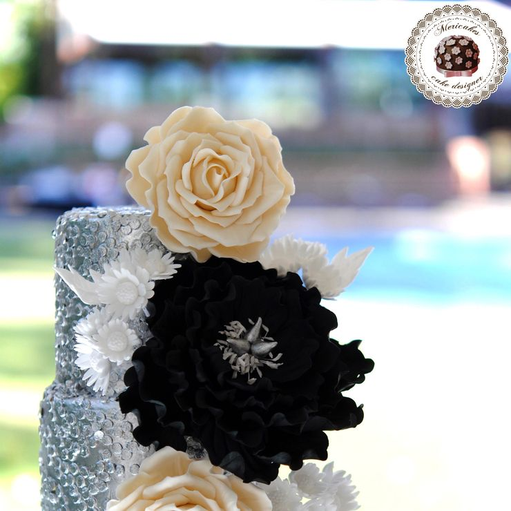 Sequins Blooms Wedding Cake 29/05/2106