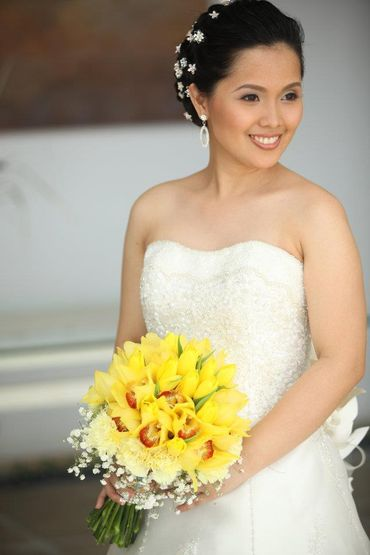 Overseas yellow orchid wedding bouquet