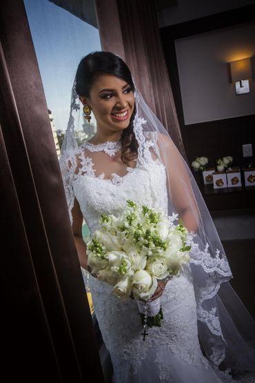Overseas white rose wedding bouquet
