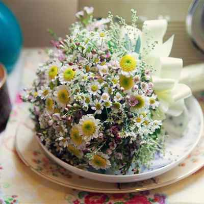 Rustic summer daisy wedding bouquet