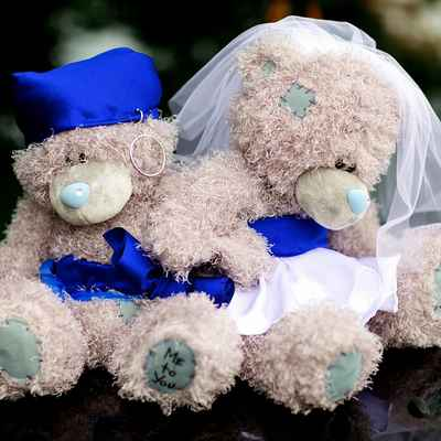Marine blue wedding transport decor