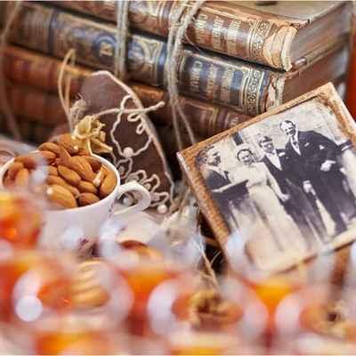 Vintage autumn photo session decor