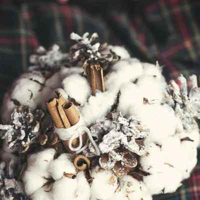 Winter brown alternative wedding bouquet