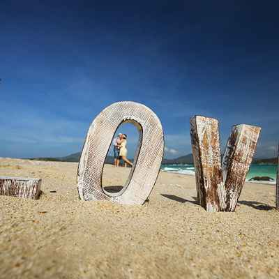 Beach brown photo session decor